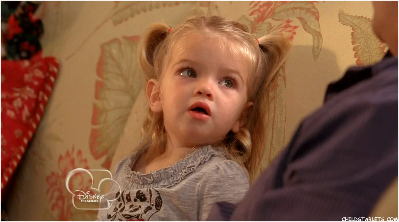 Amazoncom Good Luck Charlie Its Christmas! Not