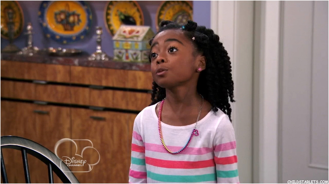 peyton list / skai jackson - jessie / diary of a mad newswoman