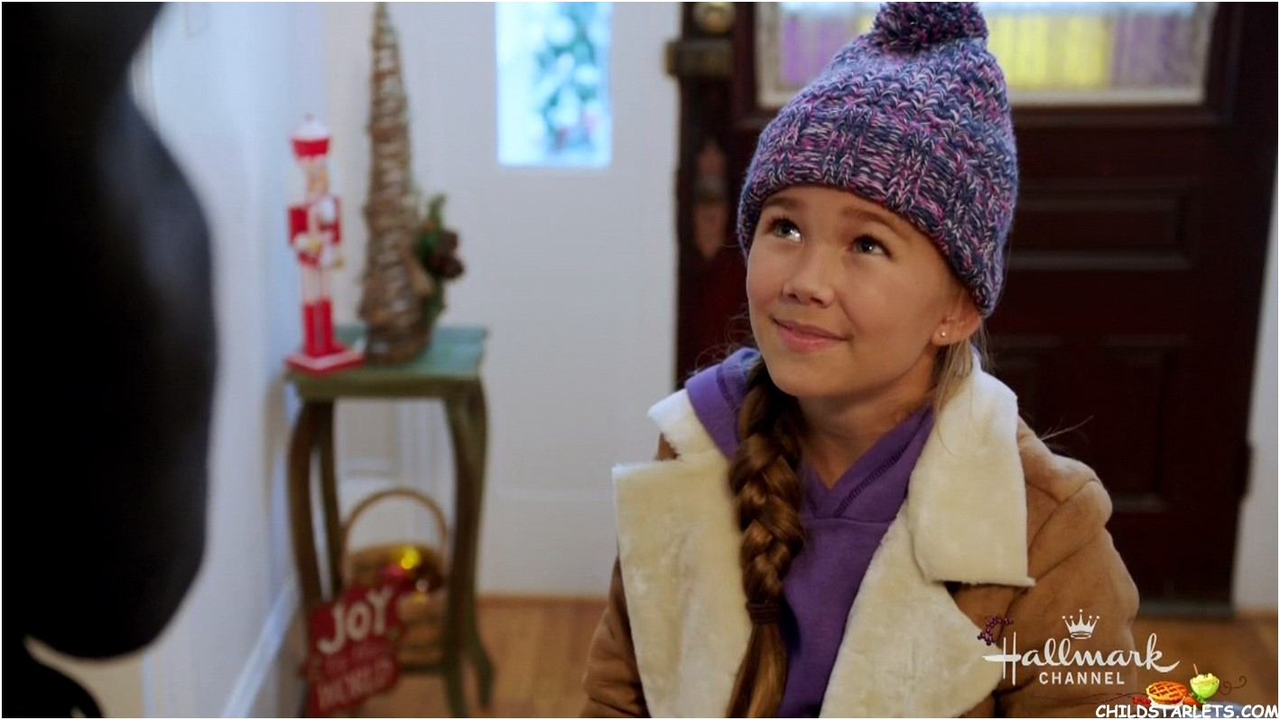 "Brooklyn Rae Silzer (General Hospital) co-stars Thanksgiving Day in Hallmark's great new family film ""Christmas in Homestead""."