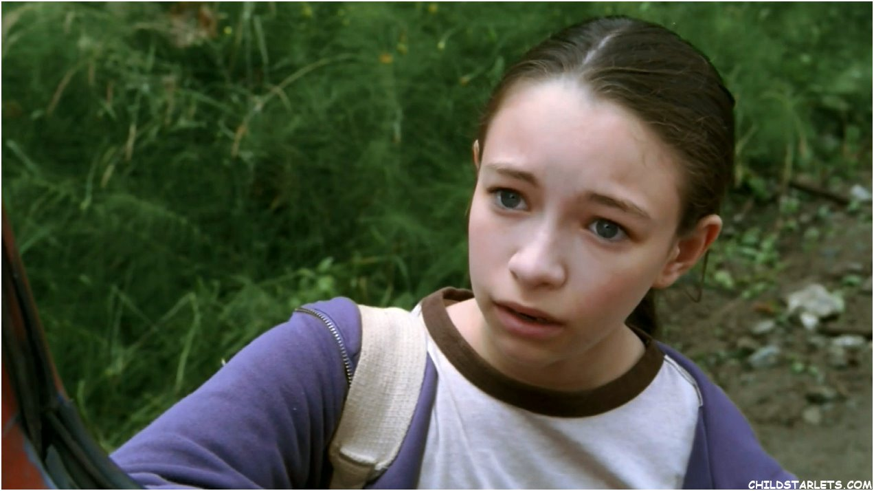 Jodelle Ferland pictures of hollis woods