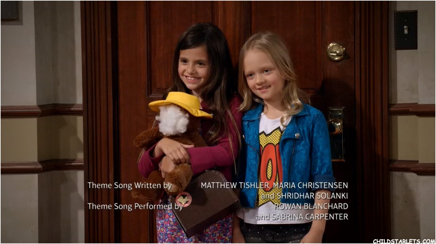 Lindsey Lamer and Ivy George in Girl Meets World / Girl Meets Bear