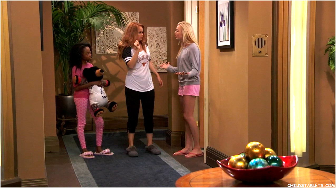 Skai Jackson and Peyton List in Jessie