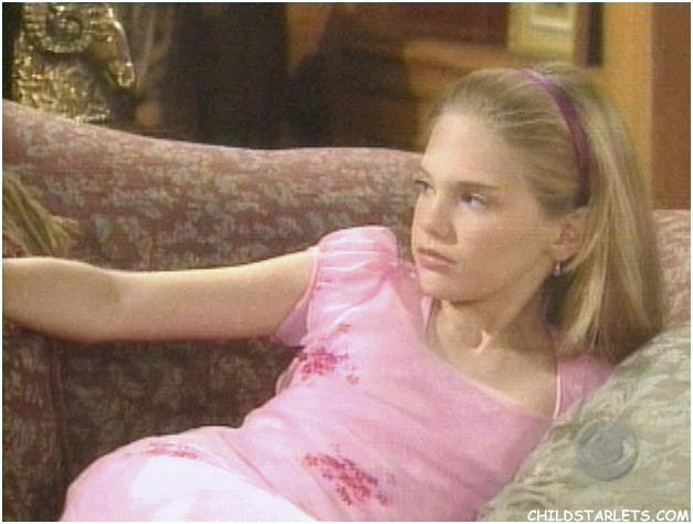 ... Child Actresses/Young Actresses/Child Starlets - CHILDSTARLETS.COM: http://www.childstarlets.com/features/guidinglight/sets/206/